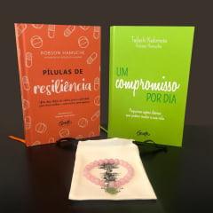 kit Compromisso - 1 Livro - Um Compromisso Por Dia + 1 Livro - Pílulas de Resiliência + 1 Pulseira - Quartzo Rosa e Frete Grátis